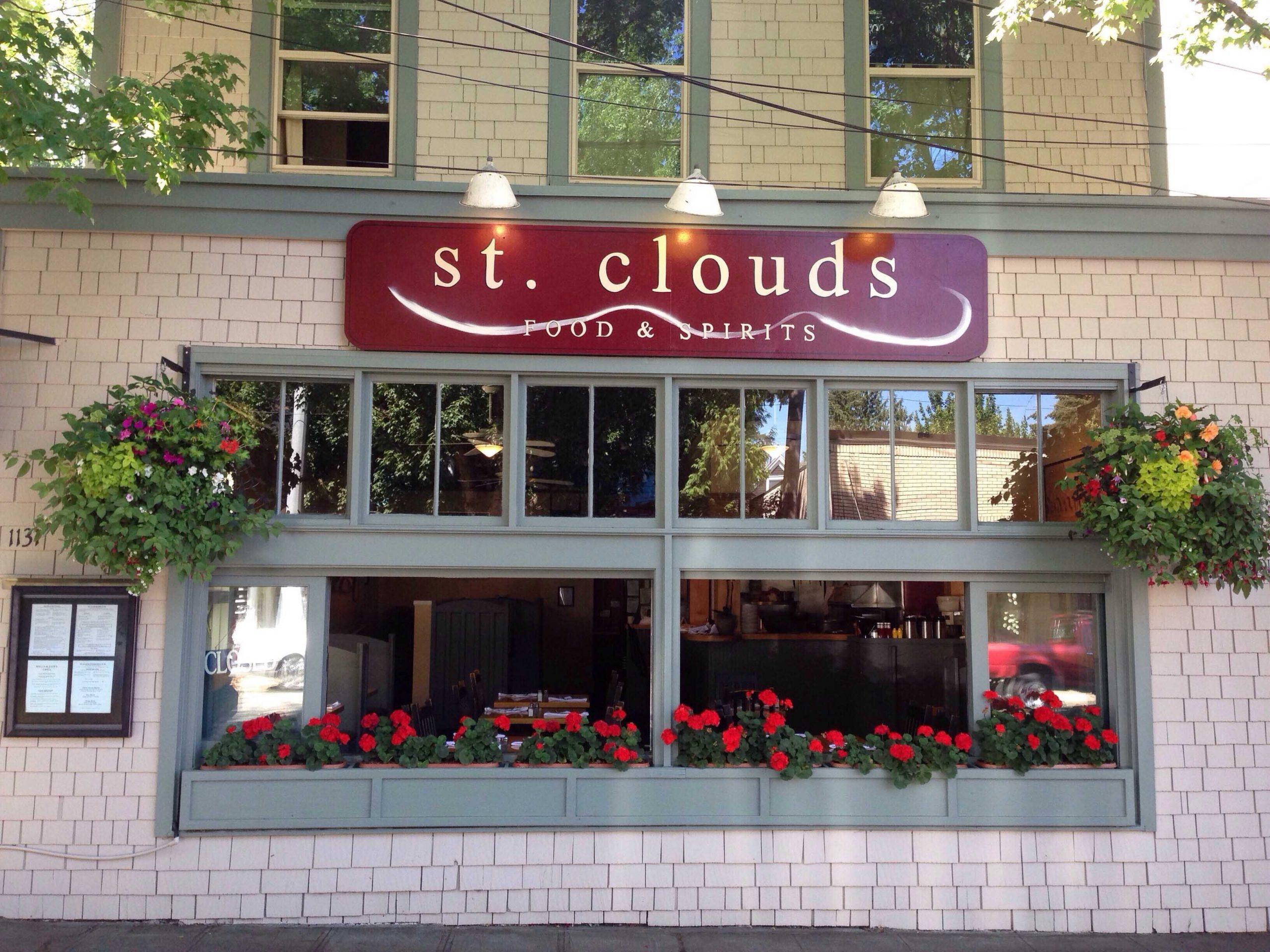 4 Keseruan Berkunjung Ke Restoran St.clouds Di Jalan 34th Avenue Seattle, WA, USA